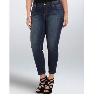 Torrid girlfriend jeans high rise Size 26
